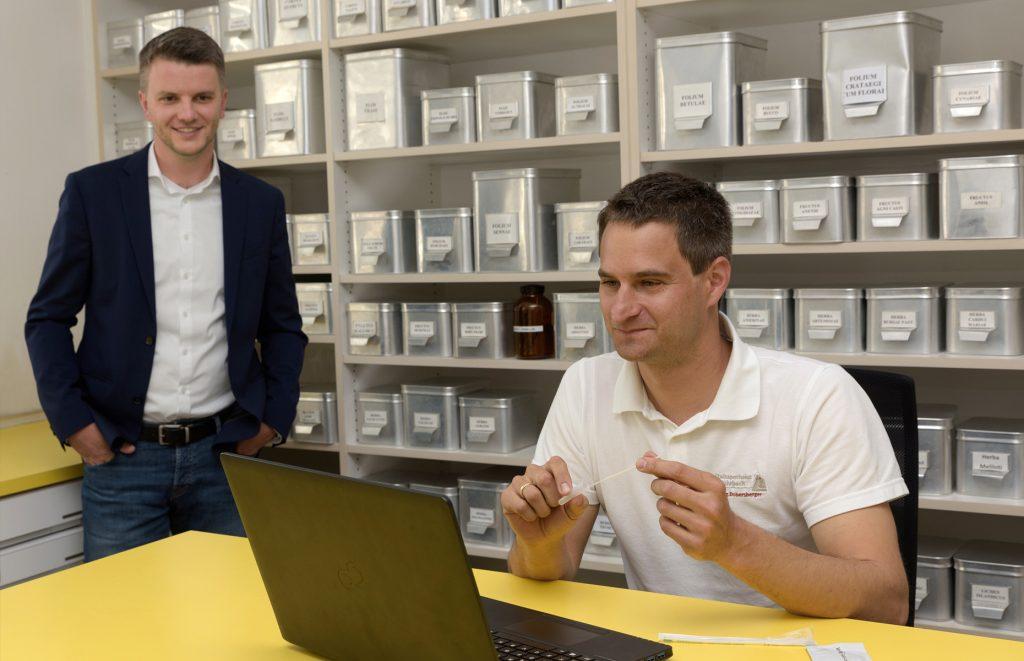Andreas Höllinger und Stefan Dobersberger bei den Corona-Testungen